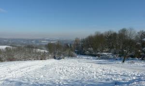 Vue sur la plaine enneigé.
